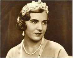 Queen Ingrid of Denmark wearing the Khedive of Egypt Tiara.