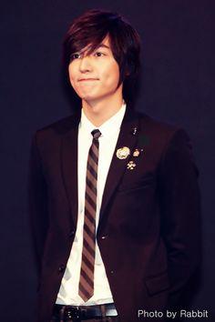 Lee Min Ho love his dimpels