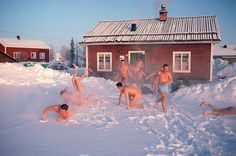 Swedish Paratroopers cool of in the snow after a Sauna. Jukkasjarvi, Sweden: Jukkasjarvi, Ice Hotel: Arctic & Antarctic photographs, pictures & images from Bryan & Cherry Alexander Photography. Swedish Sauna, Finnish Sauna, Ice Hotel, Hotel Spa, Best Cleaning Products, Family Garden, Relaxing Bath, Saunas, Paratrooper