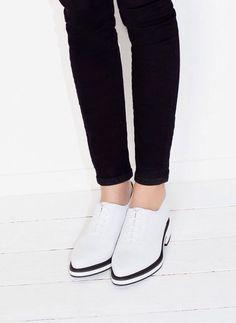 Новинки обуви от UTERQUE! Очень качественная и красивая обувь испанского производства, 100% кожа.  А также распродажа UTERQUE продолжается! http://www.uterque.com/pt/pt/  Заказы принимаем 24 часа в сутки! Пишите на shopping.eu.pt@gmail.com  #uterquesale #