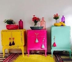 Ripe for the island - This interior trend awakens Ibiza feeling Ripe for the .Ripe for the island - this interior trend awakens the Ibiza feeling Ripe for the island - this interior trend awakens Funky Furniture, Upcycled Furniture, Furniture Makeover, Painted Furniture, Colorful Furniture, Dresser Makeovers, Furniture Design, Kitchen Island Storage, Kitchen Islands