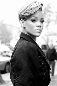 Rijanine Frizure: Deset Godina Rijaninog Stila   tražiš.me - Tražilica Vaše Lepote   Moda   Frizure   Šminka   Lepota   Zdravlje
