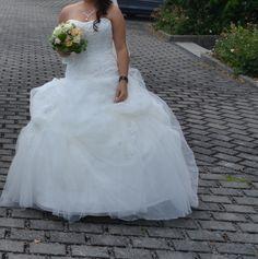 ♥ wunderschönes Prinnzessinnenbrautklied ♥  Ansehen: http://www.brautboerse.de/brautkleid-verkaufen/wunderschoenes-prinnzessinnenbrautklied/   #Brautkleider #Hochzeit #Wedding