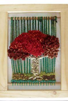 Telar artístico  decortativo Arbolito Weaving Textiles, Weaving Art, Tapestry Weaving, Loom Weaving, Hand Weaving, Circular Weaving, Art Fil, Donia, Yarn Thread