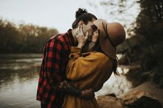 Myrtle and Moss Photography Couple Posing, Couple Shoot, Fall Photo Shoot Outfits, Fall Outfits, Couple Photography, Photography Ideas, Wedding Photography, Fashion Photography, Beach Family Photos