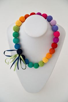 Crocheted Rainbow Necklace Colourful Necklace by SuddenlyYou Knitting Patterns Rainbow Crochet, Love Crochet, Crochet Flowers, Knit Crochet, Crochet Designs, Crochet Patterns, Bead Patterns, Bracelet Patterns, Knitting Patterns