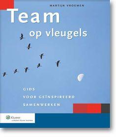 Team op vleugels.  In dit boek staat alles wat je wilt weten over teams. Er staat beschreven waarom teamwerk zo populair is. Wat de succesfactoren zijn om ze te laten slagen. En de valkuilen. Waarom sommige mensen er niets van moeten hebben. En waarom we toch niet zonder kunnen.