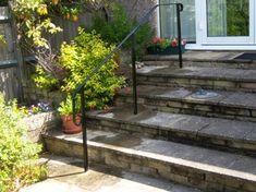FRONT GARDEN - HANDRAIL PEOPLE Freestanding garden step rails