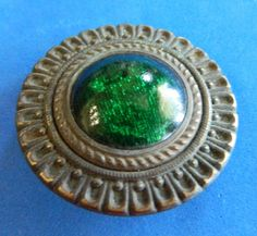 Antique GAY NINETIES 90 s Button w/ DESIGN In GREEN Glass