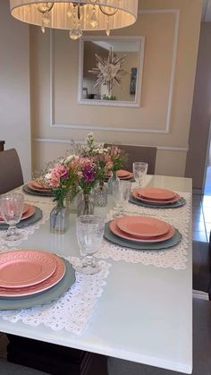 Formal Dining Tables, Dinning Table, Comment Dresser Une Table, Mesas Shabby Chic, Thanksgiving Table Settings, Easter Table Settings, Table Decor Living Room, Table Setting Inspiration, Table Arrangements