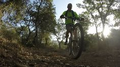 Israel tem excelentes lugares para quem gosta de pedalar. Assista...