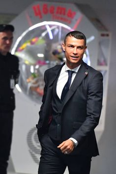 Cristiano Ronaldo Pictures and Photos Cristiano Ronaldo Goals, Cristino Ronaldo, Ronaldo Football, Cristiano Ronaldo Cr7, Neymar, World Best Football Player, Good Soccer Players, Cristiano Ronaldo Hd Wallpapers, Ronaldo Pictures