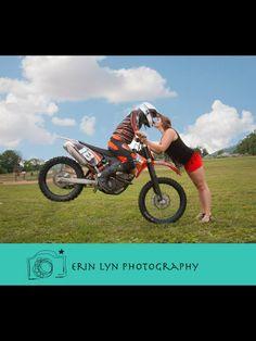 Stop kiss. Dirt bike couple. Dirt bike engagement photography. Dirt bike lovers. Moto love. www.erinlynphotography.com