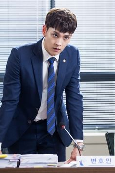 "Ji Chang Wook And Choi Tae Joon Face Off In Court In New ""Suspicious Partner"" Stills 