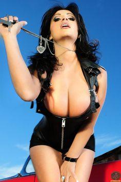 Cuando se trata de diversión, los hombres están en primera fila, quieren diversión y harían de todo por un poco de buen sexo.  Mucho de ellos ven mujeres muy hermosas y se sienten impotentes ante a ellas con la esperanza de tener solo un buen polvo. Por evitar amantes y relaciones ajetreadas, deciden buscar sexo ocasional.La relaciones ocasionales Las chicas escort en delux para pasar una noche de fuego www.escortdelux.com