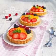 Polish Recipes, Food Presentation, Tasty Dishes, Baked Goods, Delicious Desserts, Minion, Food Photography, Biscotti, Bakery