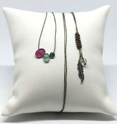 Collier ajustable avec 3 Tourmalines de tailles et de formes différentes,  fil nylon marron , cristal de roche et plume en Argent de la boutique NoeshaBijoux sur Etsy