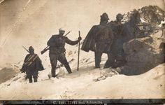 cesare-battisti-battisti-sulladamello-durante-una-ricognizione-al-passo-del-lago-ghiacciato-1916