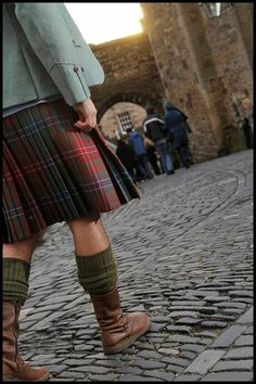 Do you have Scottish roots? Follow in the Family Footsteps with this fab leaflet that has fifteen historic trails relating to Scottish surnames http://ow.ly/x2Mz4