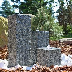 Charmant Säulen Brunnen Aus Stein Mit LED Beleuchtung Granit Säulenbrunnen  Springbrunnen
