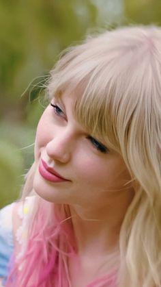 #Taylor #Swift #Queen #Lover #Foto #Fotografía #Pinterest #Rojo #Carmesí #Belleza #Fondo #Pantalla #Album