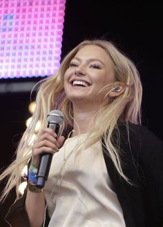 Astrid Smeplass Her Music, Music Is Life, Amsterdam, Astrid S, Shes Amazing, Live Events, I Fall In Love, Singers, Pretty