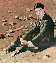 Alfredo Zitarrosa (March 10, 1936 – January 17, 1989 in Montevideo, Uruguay) was a Uruguayan singer, composer, poet, writer and journalist. He is regarded as one of the most important figures in the popular music of his country and Latin America in general.