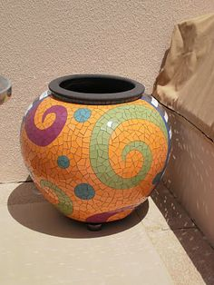 Mosaic Pots Designs | the garden's end: Mosaic Pots