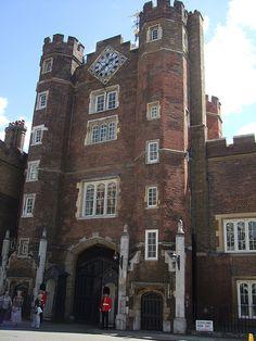 St James's Palace, Palace London, Pall Mall, Royal Residence, European Vacation, Saint James, Palaces, British Royals, Us Travel