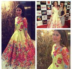 Hum-TV-Awards-2015-Pakistani-Celebrities-At-Red-Carpet-005.jpeg (600×582)
