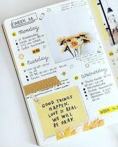 Art Journal Pages, Album Journal, Art Journal Challenge, Scrapbook Journal, Journal Layout, Journal Ideas, Journal Prompts, Travel Scrapbook, Art Journals