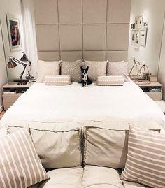 Quarto aconchegante e lindo via @casa_casada. O difícil deve ser sair dele {o cachorrinho tá aí para comprovar rs}. Projeto by Suite Arquitetos para Fabiana Justus.  Me encontre também no @pontodecor {HI} Snap:  hi.homeidea  http://ift.tt/23aANCi #bloghomeidea #olioliteam #arquitetura #ambiente #archdecor #archdesign #hi #cozinha #homestyle #home #homedecor #pontodecor #iphonesia #homedesign #photooftheday #love #interiordesign #interiores  #picoftheday #decoration #world #quarto #lovedecor…