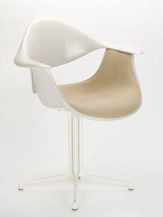 George Nelson, DAF Chair (1958)