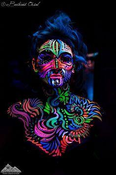 tinta neon no rosto - Pesquisa Google                              …