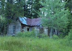 Ghost Town of Bourne, Oregon ~ This is my cabin! Creepy Old Houses, Haunted Houses, Haunted Places, Abandoned Churches, Abandoned Mansions, Abandoned Places, Visit Oregon, Wordpress Org, Old Cemeteries