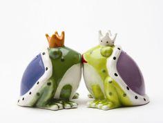 King & Queen Frogs Salt & Pepper Shakers: