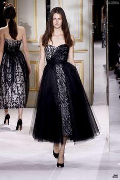 #kamzakrasou #sexi #love #jeans #clothes #dress #shoes #fashion #style #outfit #heels #bags #blouses #dress #dresses #dressup #trendy #tip #new #kiss Giambattista Valli - z módnej prehliadky HAUTE COUTURE I.