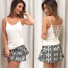 Saia estampada com blusinha basica / look do dia