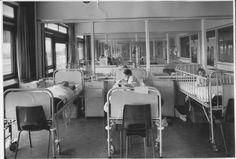 Diaconessenhuis in de jaren 1960. De kinderafdeling. #ziekenhuis #MMC #hospital