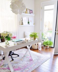 Must-Haves for a Busy Entertaining Season in a Small Space — 2 Ladies & A Chair – Chic Home Office Design Home Office Design, Home Office Decor, House Design, Cool Office Space, Office Spaces, Home Office Organization, Home Decor Accessories, Small Spaces, Rum