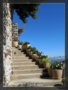 Village de Mimet en Provence... http://mistoulinetmistouline.eklablog.com/