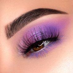 Aimez ce que vous voyez? Suivez-moi pour plus: Cute Eye Makeup, Purple Eye Makeup, Makeup Eye Looks, Eye Makeup Art, Makeup For Green Eyes, Smokey Eye Makeup, Gorgeous Makeup, Eyeshadow Makeup, Beauty Makeup