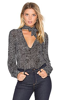 Shop for Bella Dahl Tie Neck Blouse in Black at REVOLVE. Free day shipping and returns, 30 day price match guarantee. Casual Dresses, Casual Outfits, Fashion Outfits, Womens Fashion, Fashion Trends, Tie Neck Blouse, Blouse Styles, Revolve Clothing, Casual Chic