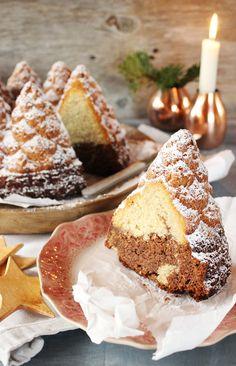 Wahrscheinlich stoßen wir mit diesem Post hier heute auf großes Unverständnis: Ein Kuchenrezept- am 2. Weihnachtsfeiertag, wo doch alle Bäuche gefüllt sind mit Weihnachtsgans und Liebe- und ...
