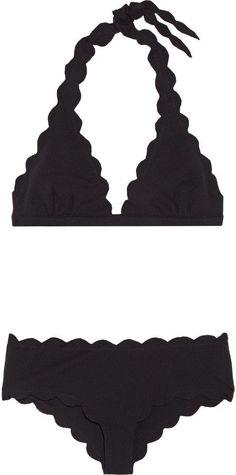 Pin for Later: Diese schwarzen Bikinis und Badeanzüge sind alles andere als langweilig  Spring Triangel-Bikini mit Wellenkanten (368 €)
