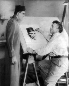 """Willy Pogány drawing Boris Karloff, during the filming of """"The Mummy"""" in 1932."""