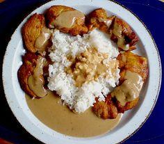 Hähnchen - Saté, ein sehr schönes Rezept aus der Kategorie Snacks und kleine Gerichte. Bewertungen: 7. Durchschnitt: Ø 3,7.