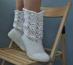 I wonder if I could crochet the sole and incorporate the top? Cute pattern.
