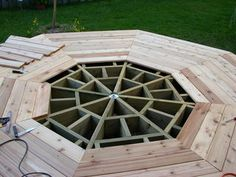 Picture of Installing the Cedar Deck Deck Building Plans, Deck Plans, Cool Deck, Diy Deck, Casa Octagonal, Pergola, Laying Decking, Cedar Deck, Deck Construction
