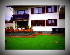 Kapfenberg, Austria: In a quiet countryside location in the Mürz Valley, art-rooms-gästezimmer is 4 km from the centre of Kapfenberg. Bed And Breakfast, Countryside, Mansions, House Styles, Rooms, Home Decor, Twitter, Pictures, Bedrooms